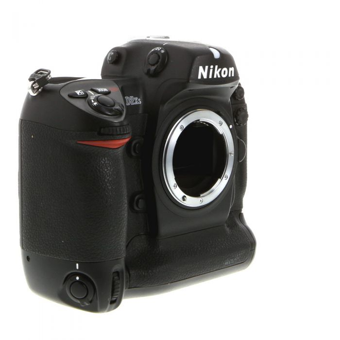 Nikon D2XS DSLR Camera Body {12.4MP}