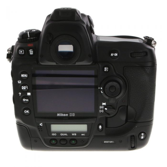 Nikon D3 DSLR Camera Body {12.1MP}
