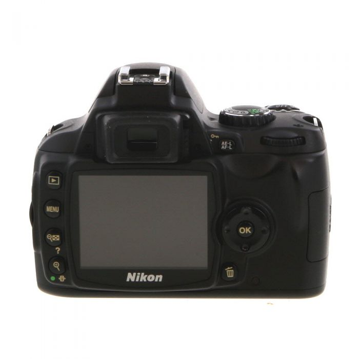 Nikon D40 DSLR Camera Body, Black {6.1MP}