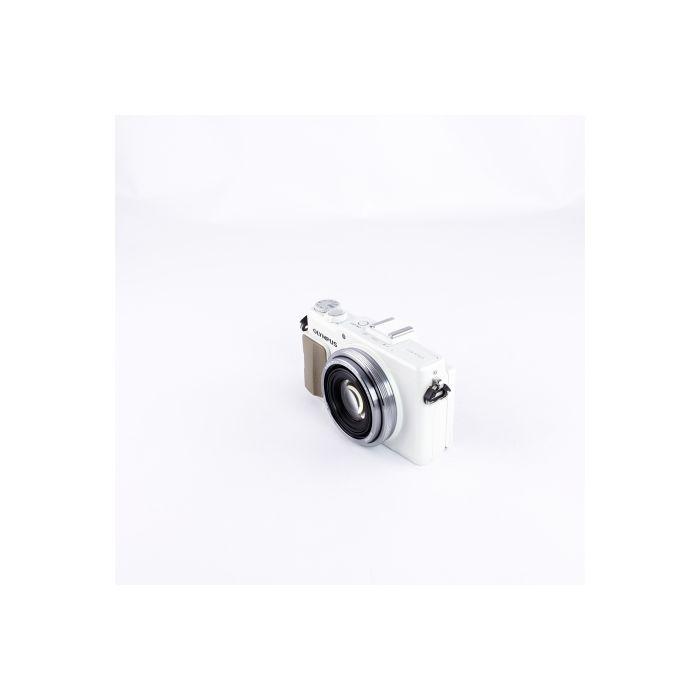 Olympus XZ-2 White Digital Camera {12 M/P}