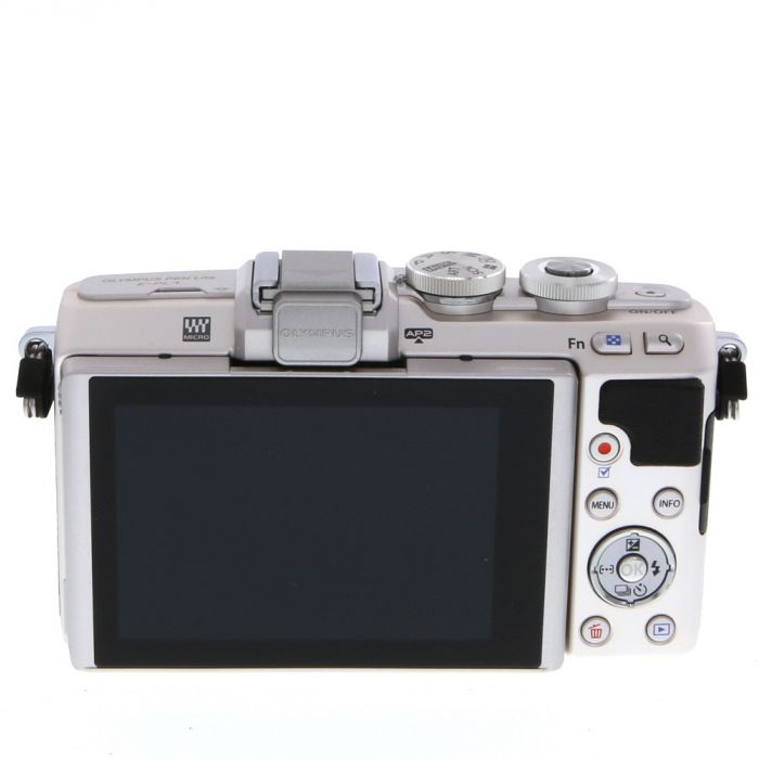 Olympus PEN E-PL7 Mirrorless Micro Four Thirds Digital Camera Body, Silver {16 MP}
