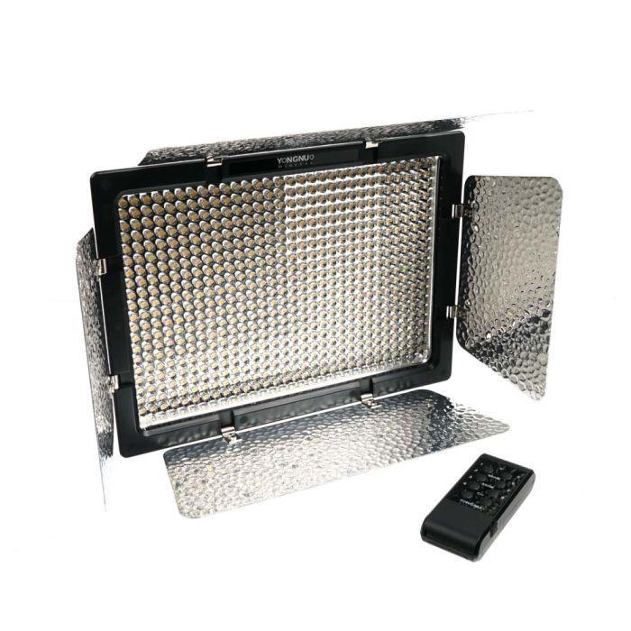 Yongnuo YN600L II Pro LED Dimmable Digital Camera / Camcorder 3200K-5500K Video Light with Barn Doors