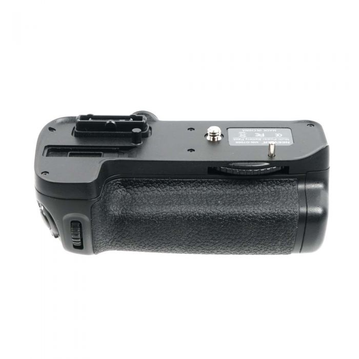 Neewer NW-D7000 Vertical Grip/Battery Holder for Nikon D7000