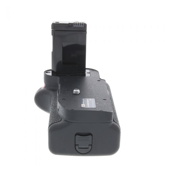DSTE Vertical Grip/Battery Holder for Nikon D5100, D5200 with Connecting Cord, Remote