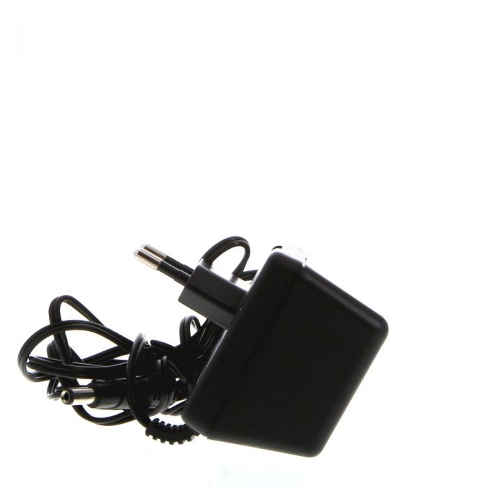 Quantum Instruments QB-30 European 220 Volt Charger (for Battery 1, 1+)