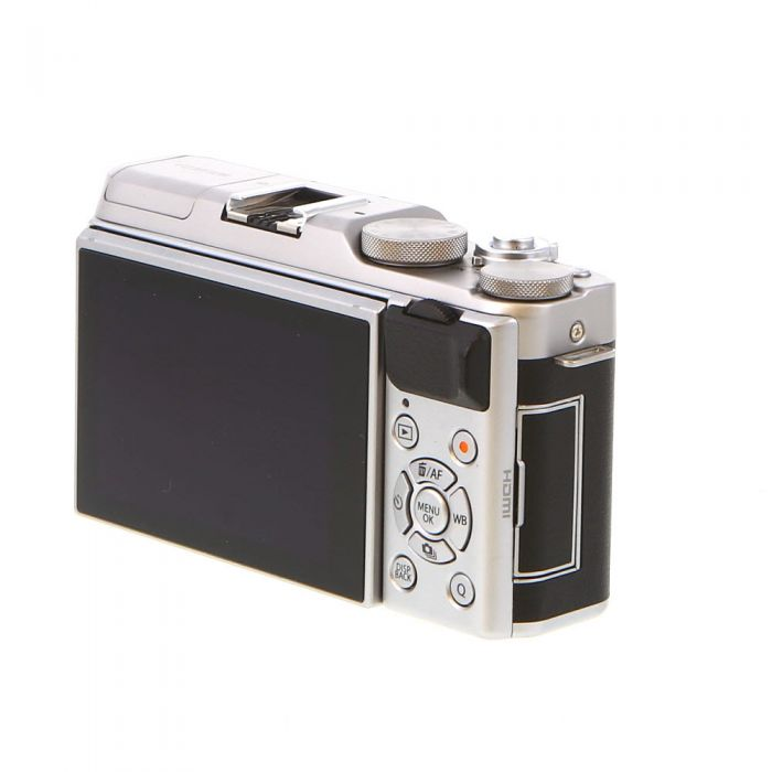 Fujifilm X-A5 Mirrorless Digital Camera Body, Silver with Black Leather {24.2MP}