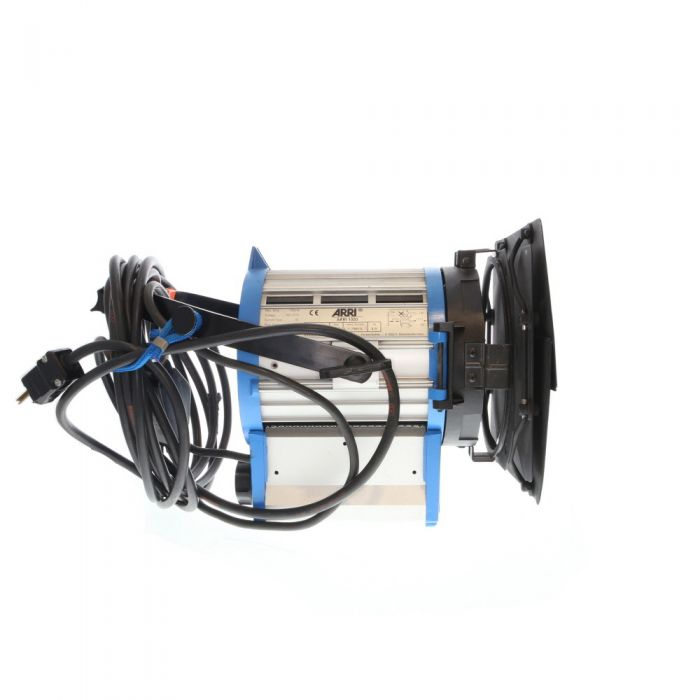 ARRI 1000 Plus Tungsten Fresnel with 1000W Bulb, Stand Mount, Barn Doors, Power Cord with Switch (100-250 VAC) (L1.79610.B)